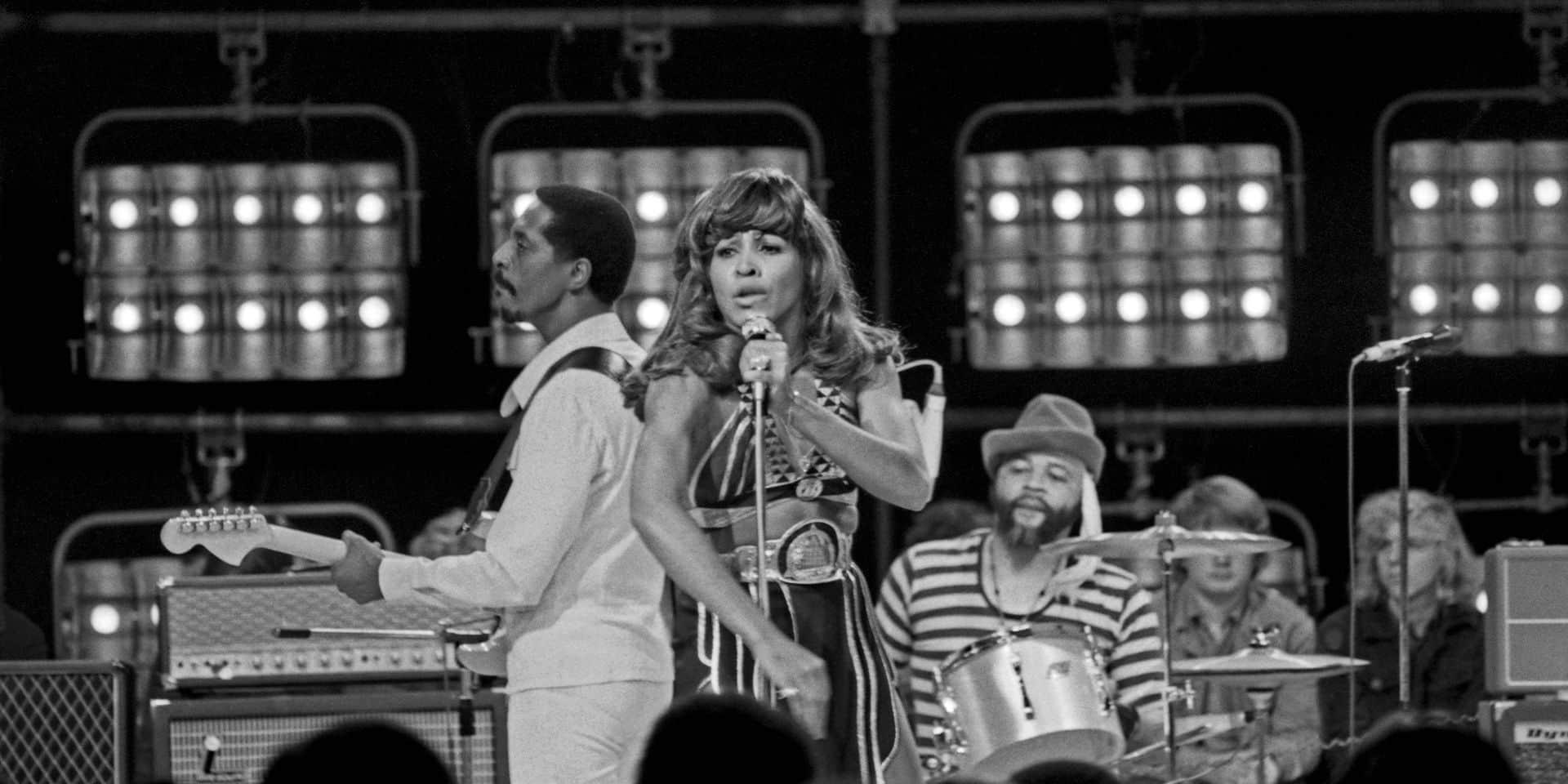 Ike und Tina Turner Das amerikanische Duo Ike und Tina Turner bei einem Fernsehauftritt Deutschland