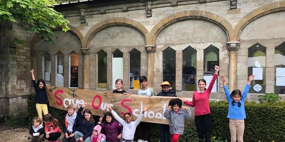 """Woluwe-Saint-Pierre : Pour l'école Roots and Wings dans le parc Parmentier, il n'est """"pas question de fermer"""""""