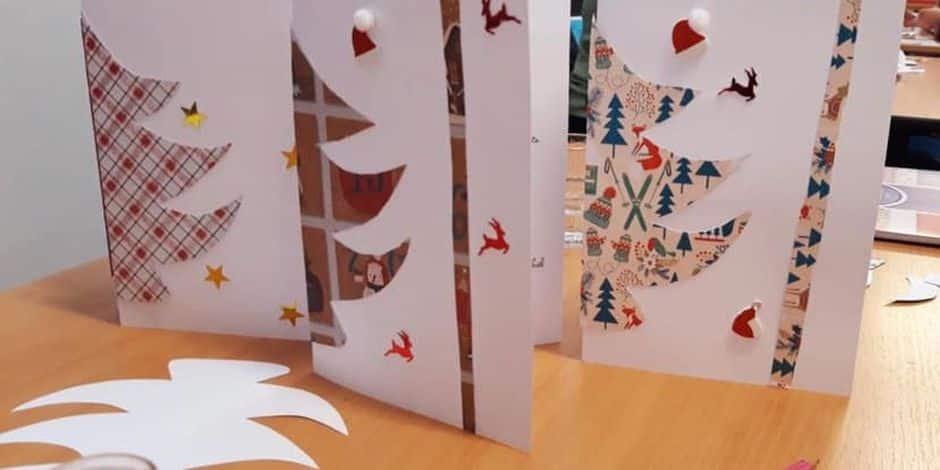 Beloeil : les lutins du Père Noël entrent en piste pour confectionner des cartes de vœux au profit des seniors isolés.