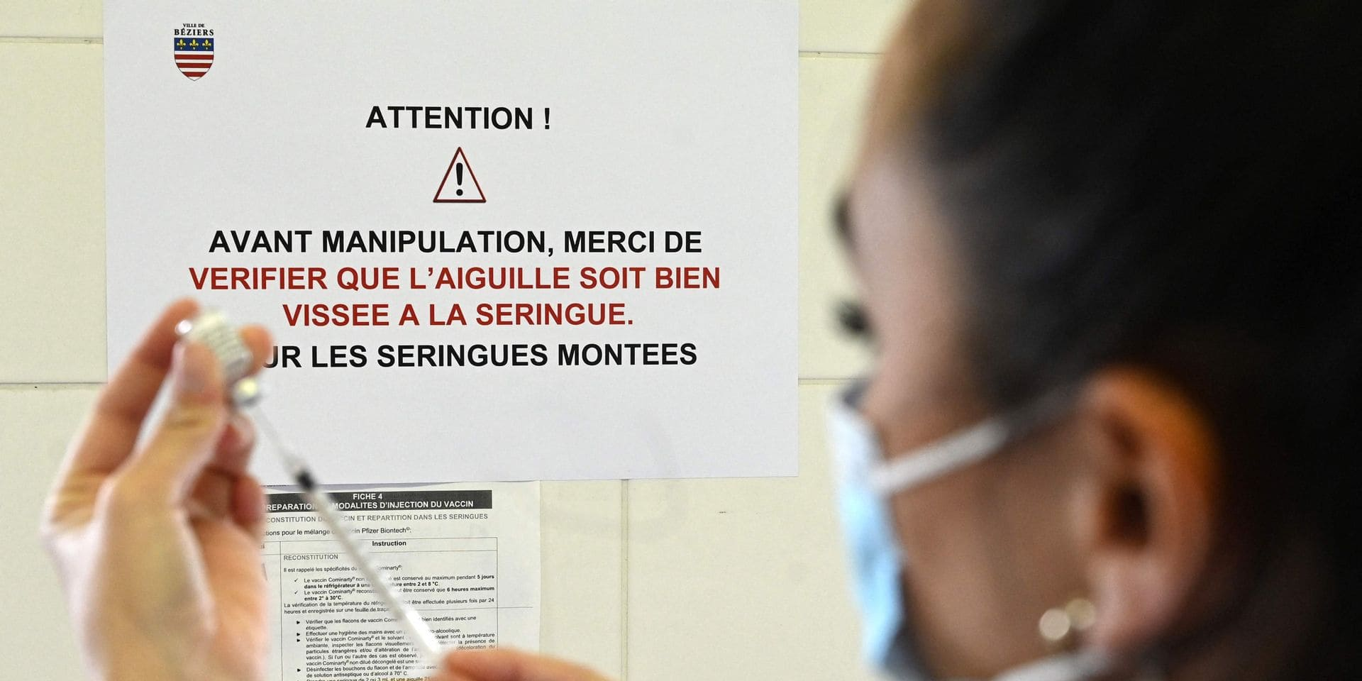En Belgique, il y a eu 11 rapports de coagulation sanguine ou de thrombose après vaccination avec AstraZeneca