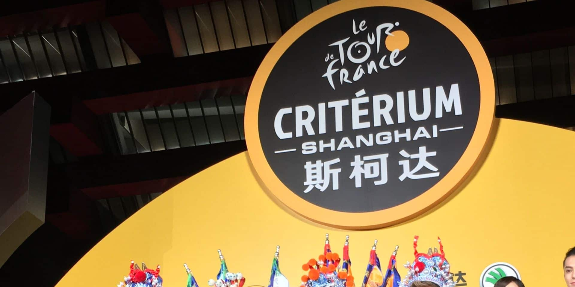 Voici la manière originale dont Peter Sagen & co se sont présentés face au public chinois avec le critérium de Shanghai