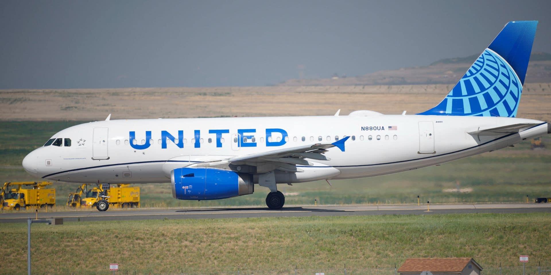United Airlines: près de 600 employés perdent leur emploi après avoir refusé un vaccin