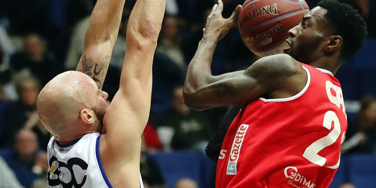 Mons' Mike Smith and Charleroi's Matt Mobley fight for the ball during the basketball match between Mons-Hainaut and Spirou-Charleroi, Saturday 16 February 2019 in Mons, on day 17 of the 'EuroMillions League' Belgian first division basket competition. BELGA PHOTO VIRGINIE LEFOUR