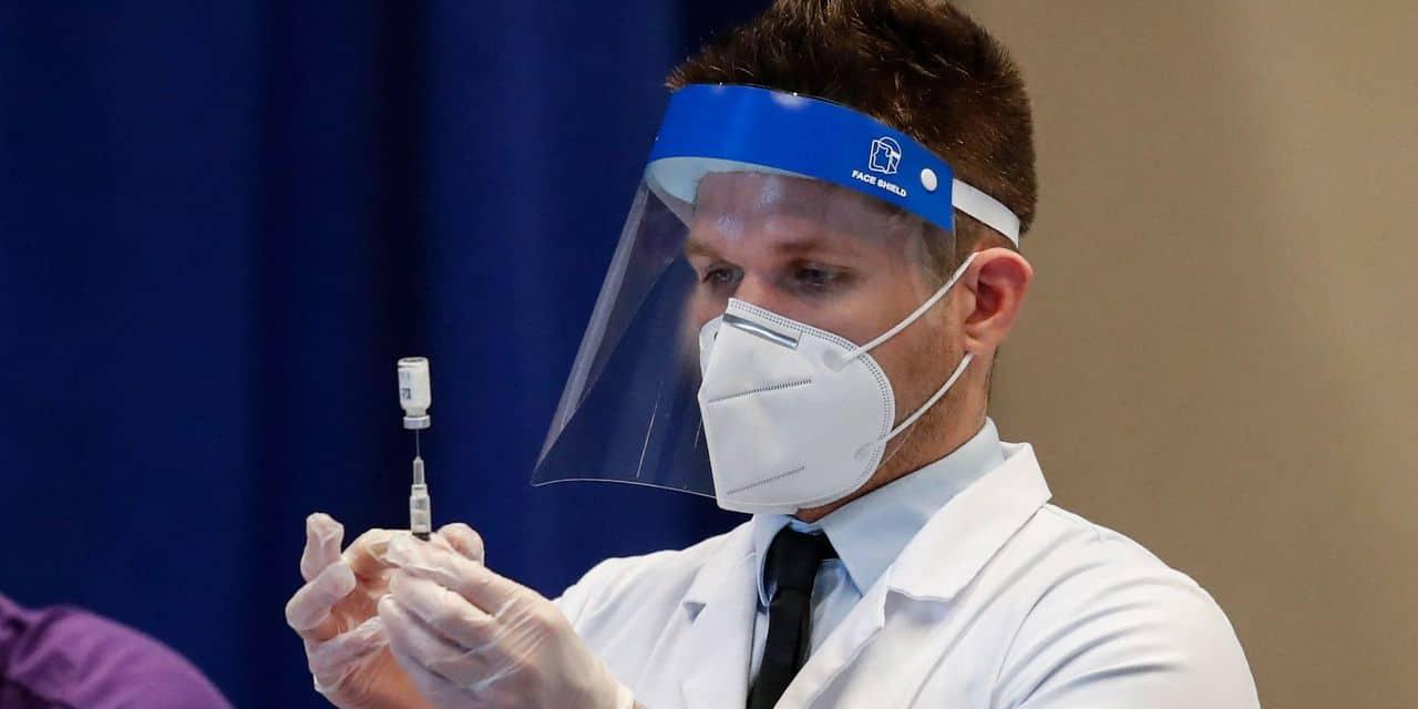 Coronavirus dans le monde: le Danemark arrête définitivement d'utiliser AstraZeneca, l'Iran suspend ses vols avec la France