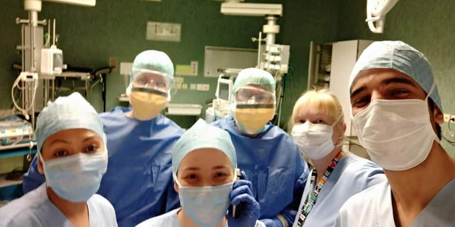 """Les infirmières bruxelloises face au COVID-19: """"Bientôt on pourra parler de médecine de guerre"""""""