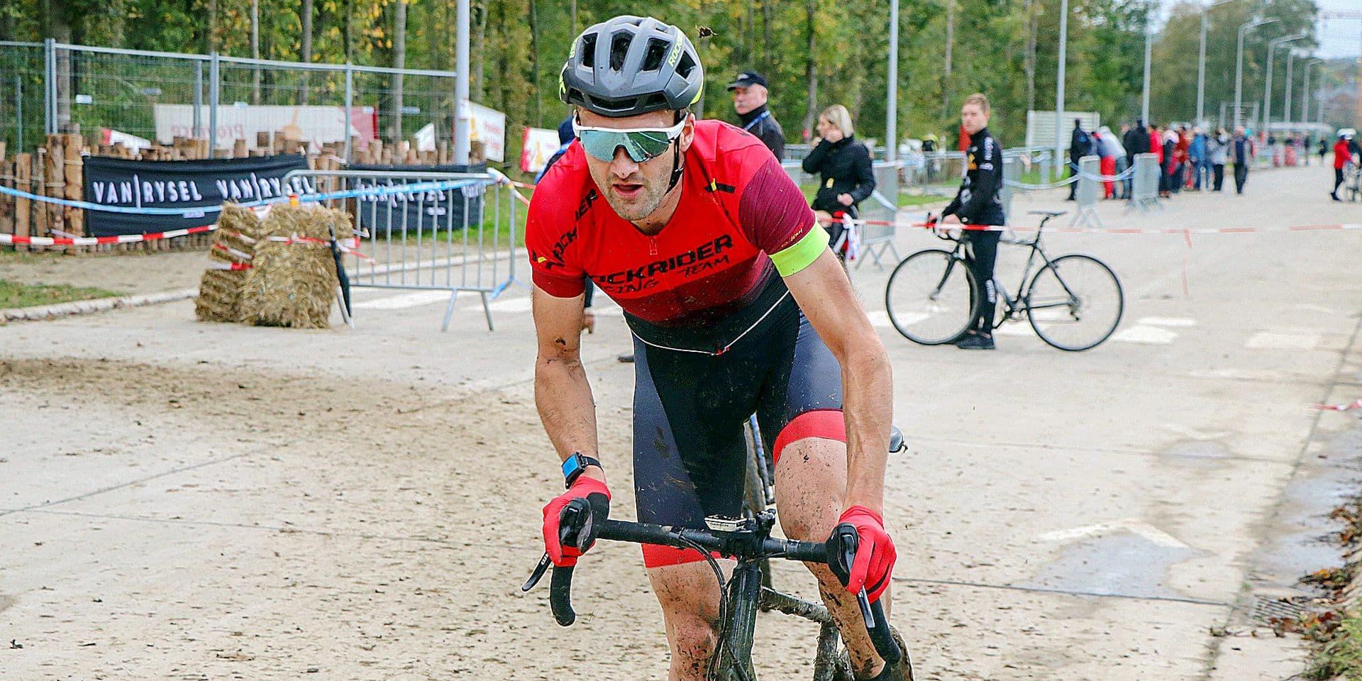"""Sébastien Delfosse s'amuse dans les labourés : """"Le cyclo-cross ? Une belle découverte !"""""""