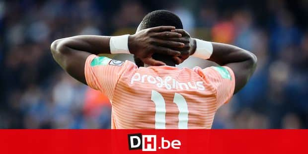 Anderlecht's Yannick Yala Bolasie looks dejected during a soccer match between Club Brugge and RSC Anderlecht, Sunday 28 April 2019 in Brugge, on day 6 (out of 10) of the Play-off 1 of the 'Jupiler Pro League' Belgian soccer championship. BELGA PHOTO VIRGINIE LEFOUR
