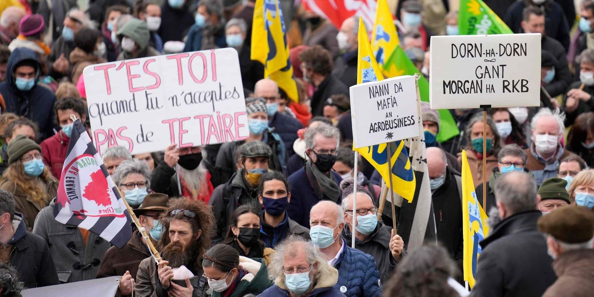 """Roue arrière déboulonnée et portes forcées : une journaliste en danger en Bretagne, des centaines de personnes dénoncent la """"fabrique du silence"""""""
