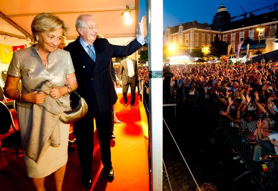 2013. Dernière Fête nationale en tant que roi et reine des Belges. Un moment fort en émotions où le couple s'est affiché complice.