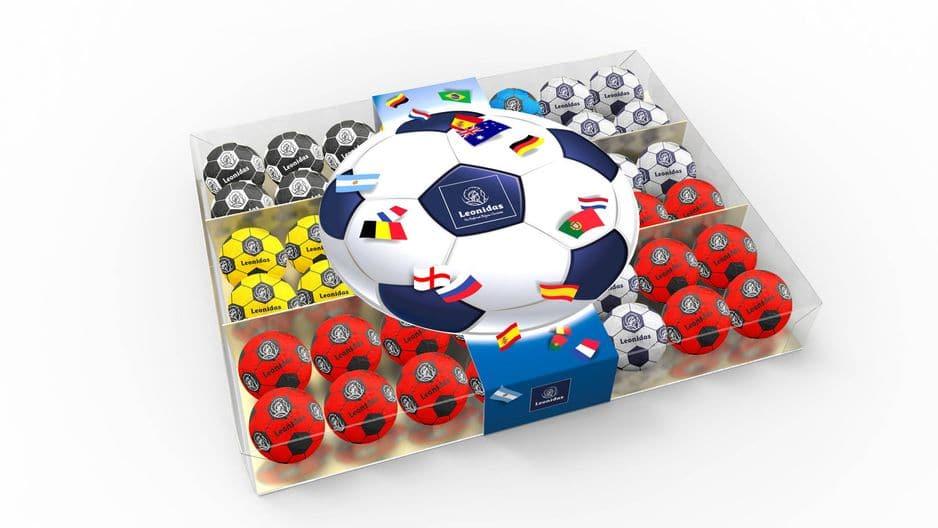 Des petits ballons en chocolat à engloutir en regardant des matchs de la Coupe, Leonidas, boîte transparente (+/- 525 g): 16,90€. Le plus : on compose sa boîte selon le pays que l'on veut soutenir !