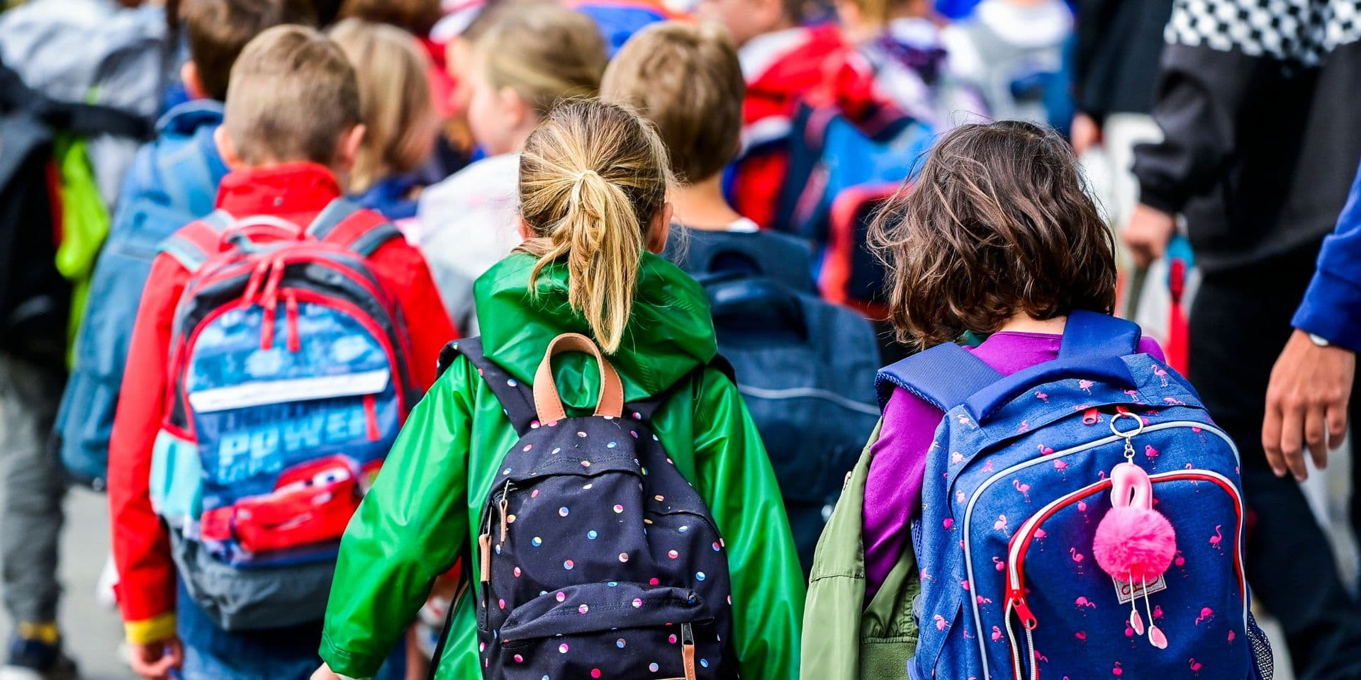 Premiers cas positifs de Covid-19 dans trois écoles de la région du Centre