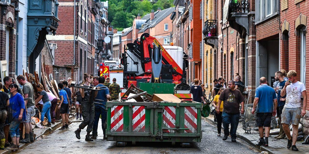 Inondations à Namur : des démarcheurs dans les rues sinstrées et une vingtaine de personnes toujours à reloger