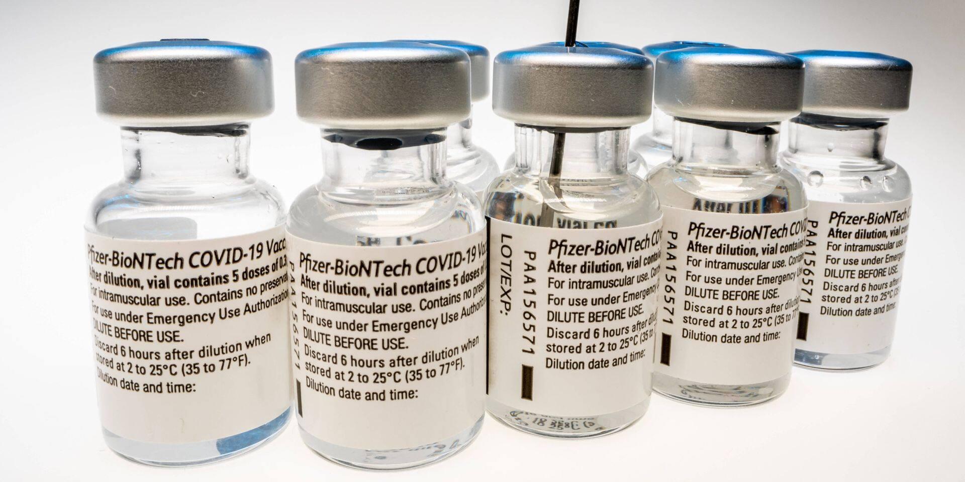 Pfizer, Moderna et J&J veulent offrir 3,5 milliards de doses de vaccins