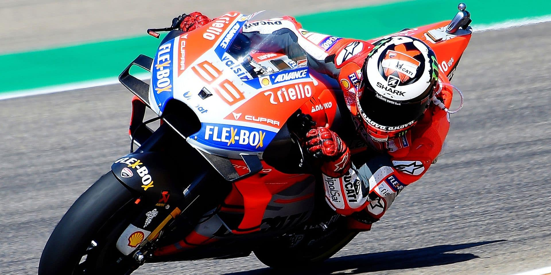 Ducati Team's Spanish rider Jorge Lorenzo rides during the MotoGP fourth free practice of the Aragon Grand Prix at the Motorland racetrack in Alcaniz, on September 22, 2018 (Photo by JOSE JORDAN / AFP)