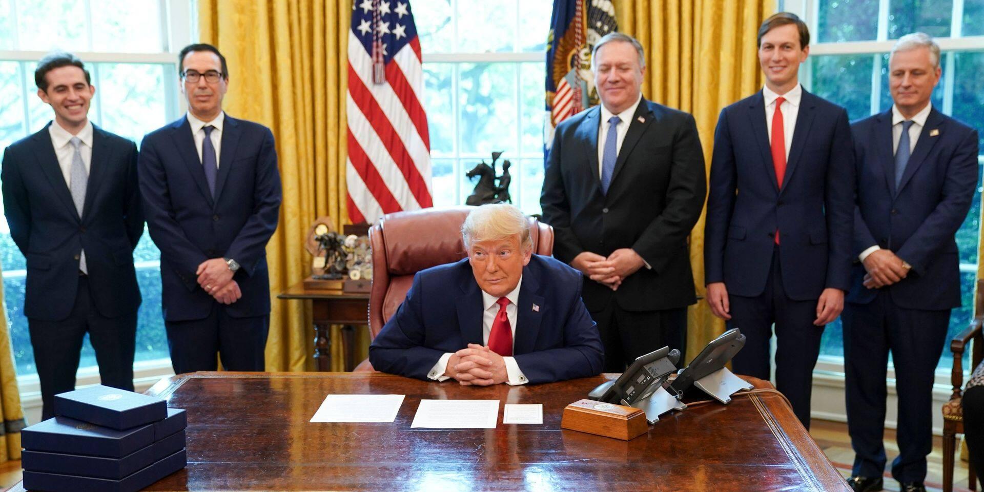 """Le conseiller sécurité de Donald Trump promet une """"transition très professionnelle"""""""