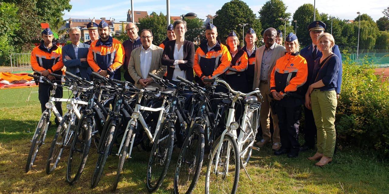 Les policiers de la zone Ouest équipés de vélos électriques