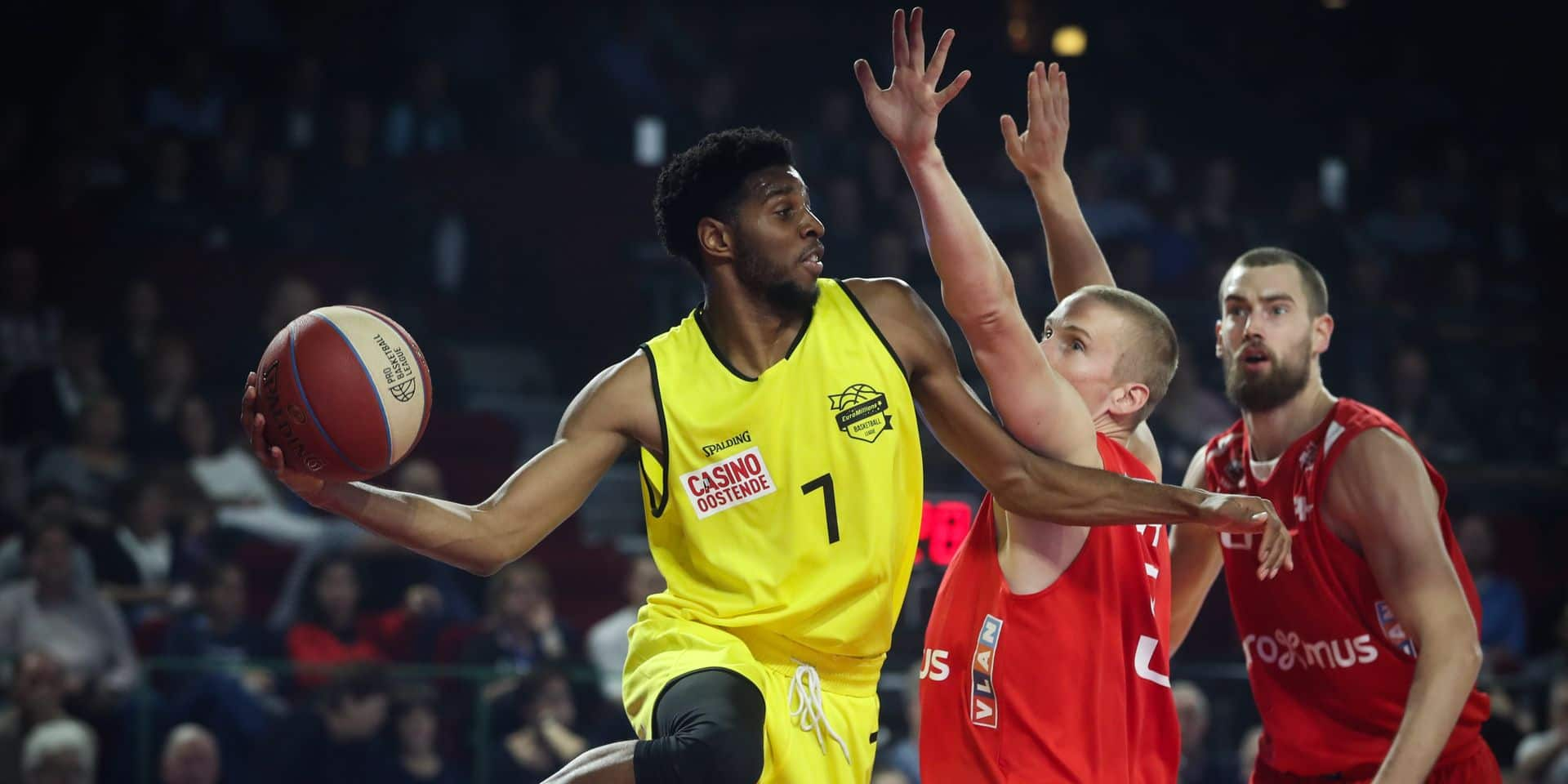 Oostende's Loic Schwartz and Charleroi's Niels Marnegrave fight for the ball during the basketball match between Spirou Charleroi and BC Oostende, on the fourth day of the EuroMillions League Basketball competition, Friday 13 October 2017 in Charleroi. BELGA PHOTO VIRGINIE LEFOUR