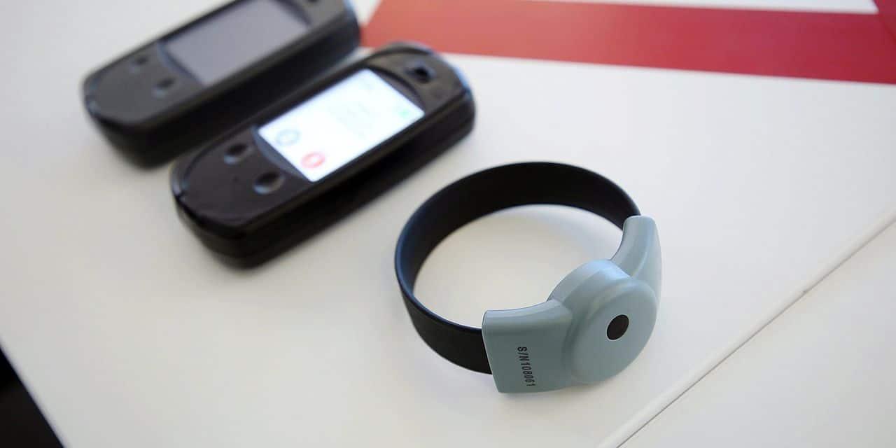 """Le bracelet anti-approche fait débat: """"Du stress provoqué par de fausses alarmes suite à un problème technique"""""""