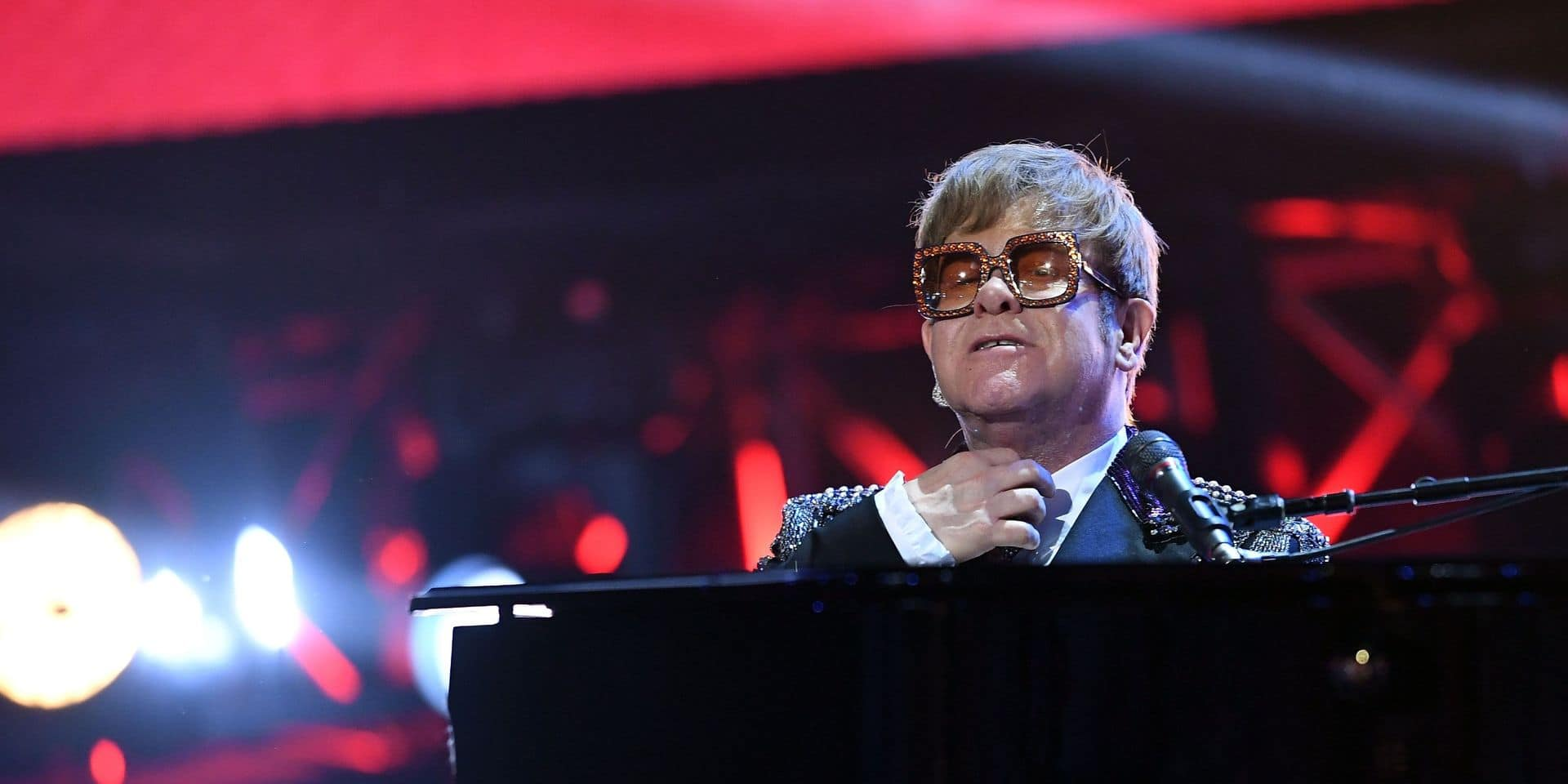 Malade, Elton John reporte plusieurs concerts