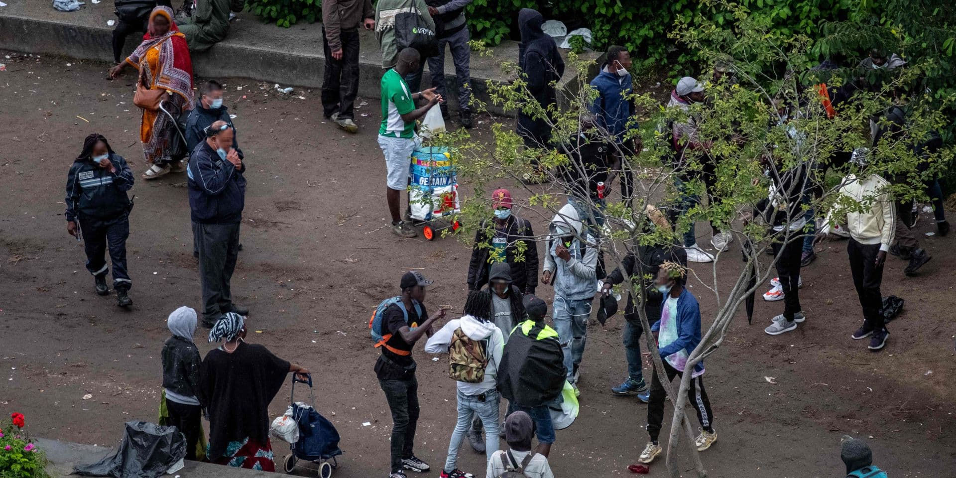 """Crack, violence, détritus et effluves d'urine: un quartier de Paris en pleine """"urgence humanitaire"""""""