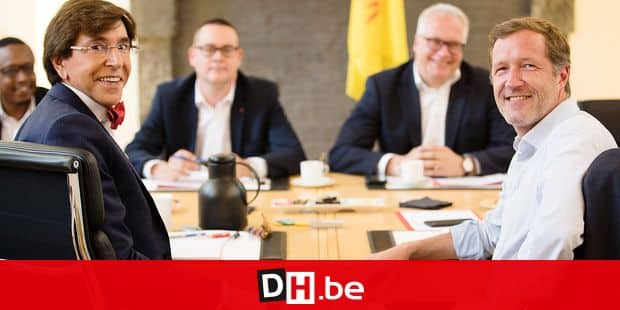 PTB's Germain Mugemangango, PS chairman Elio Di Rupo, PVDA - PTB spokesman Raoul Hedebouw, PVDA - PTB chairman Peter Mertens and Former Walloon Minister President Paul Magnette pictured during negotiations to form a new Walloon Government, Tuesday 11 June 2019 in Namur. Today a second round of meeting starts with the PTB. BELGA PHOTO BENOIT DOPPAGNE