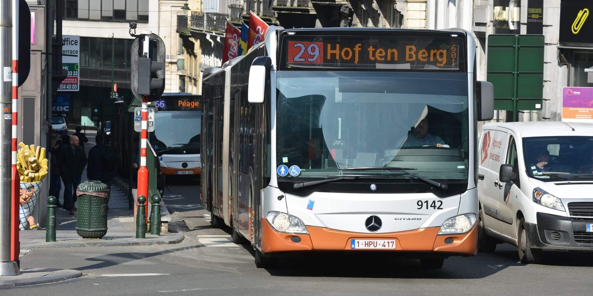 Stib : Quatre bus de la nouvelle ligne 53 vont rouler à vide sur le ring