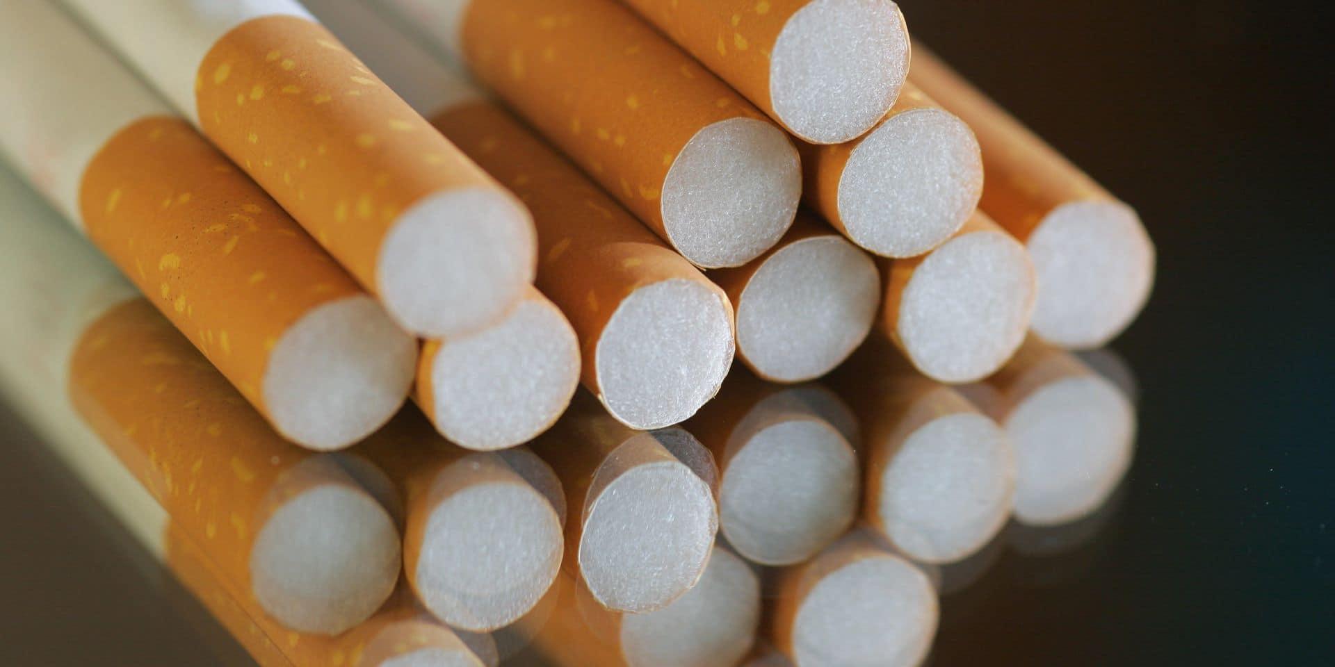"""Plus de 50 P.-V. pour les """"cigarettes à la sauvette"""""""