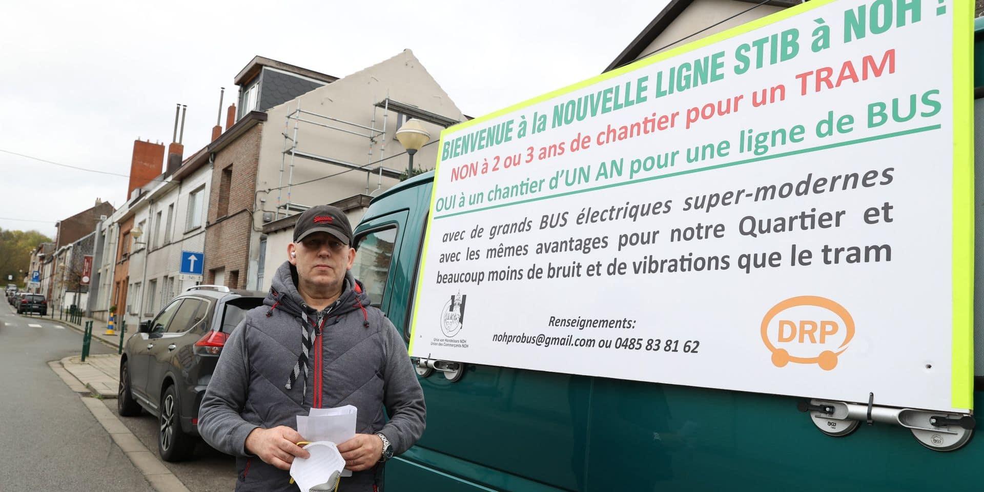 La camionnette d'un opposant au projet de tram à Neder-Over-Heembeek menacée d'être envoyée à la fourrière : la Ville de Bruxelles lui donne raison