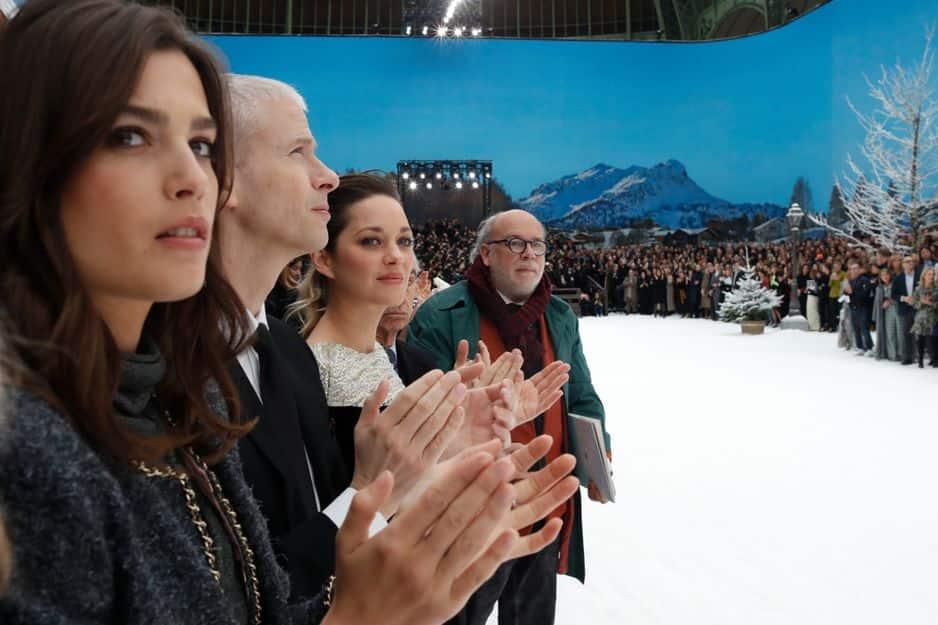Proche de Karl Lagerfeld, Charlotte Casiraghi était au premier rang du défilé.