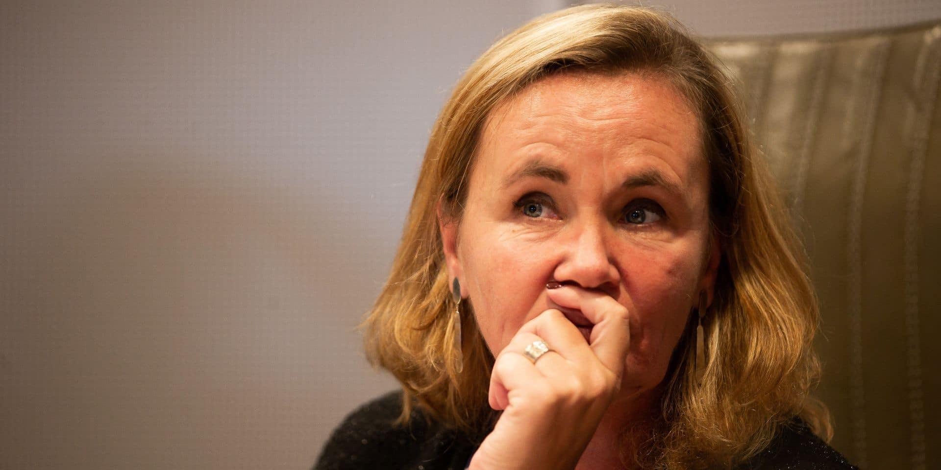 Alerte à la bombe au parlement flamand: Liesbeth Homans veut discuter avec le procureur