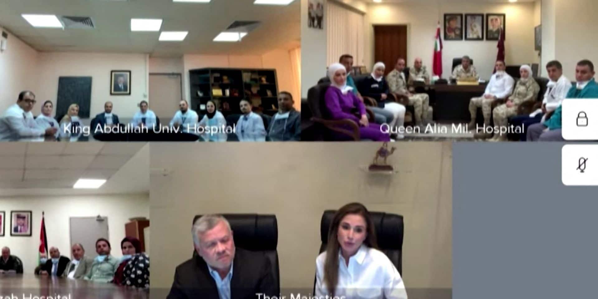 King Abdullah II And Queen Rania Talk With Medical Staff - Amman