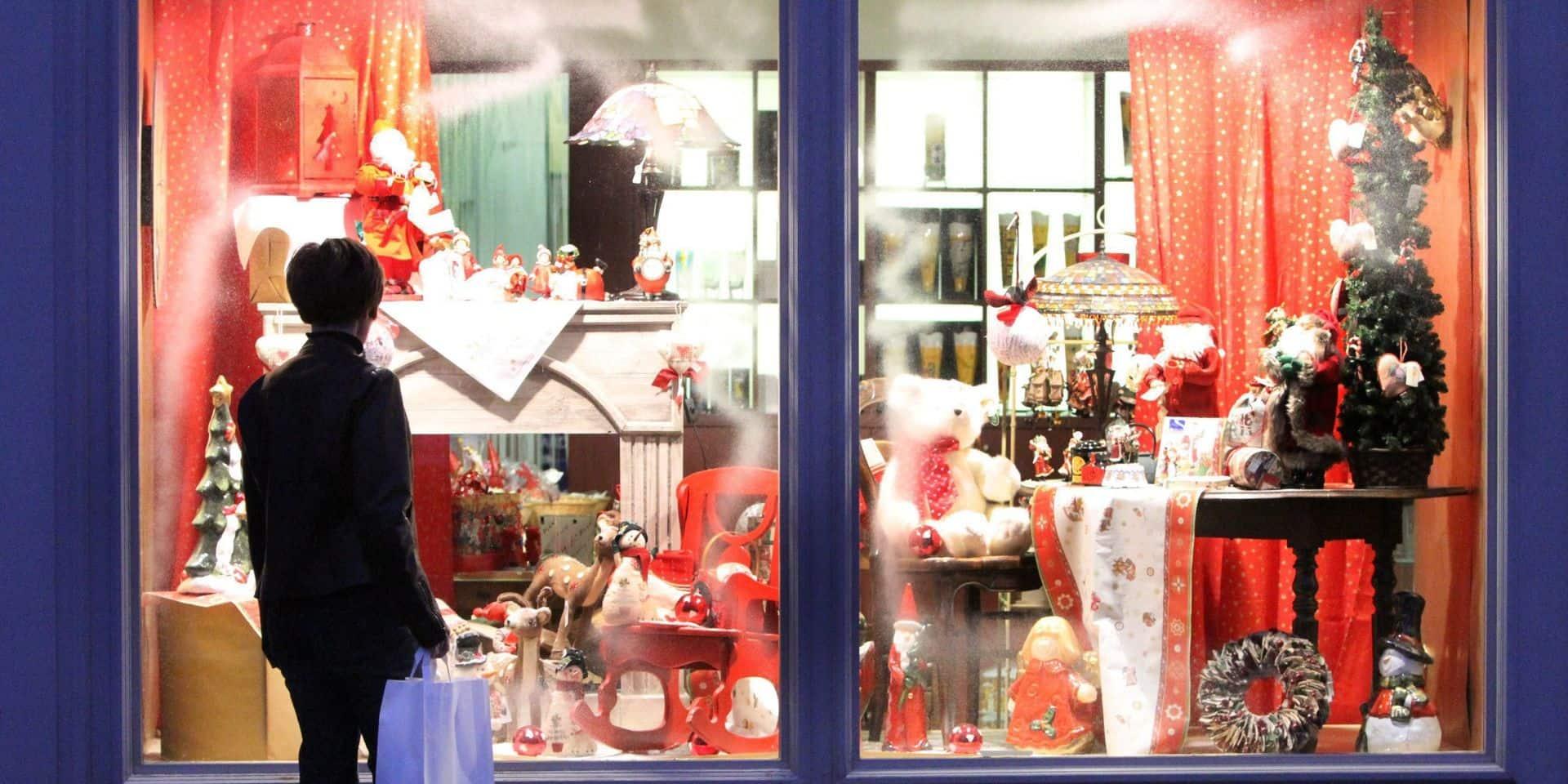 La Louvière: les vitrines des commerces décorées pour Noël