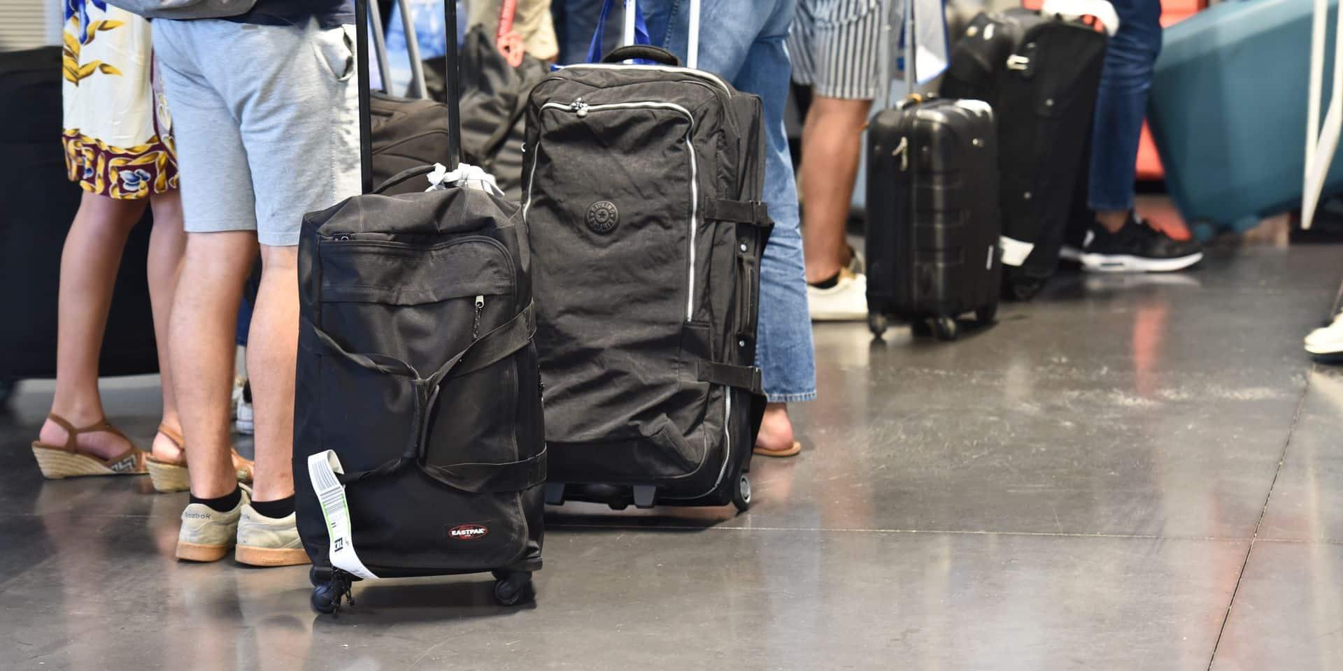 """Grève nationale: """"Un préjudice économique d'environ 10 millions si l'aéroport doit fermer"""""""
