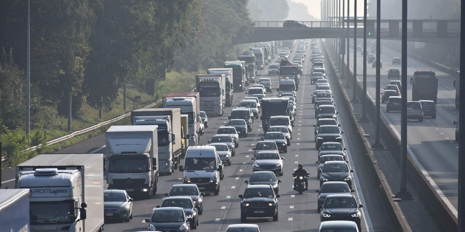 """Une proposition de loi pour une vitesse minimum de 80 km/h sur l'autoroute: """"c'est beaucoup mieux pour la sécurité routière"""""""