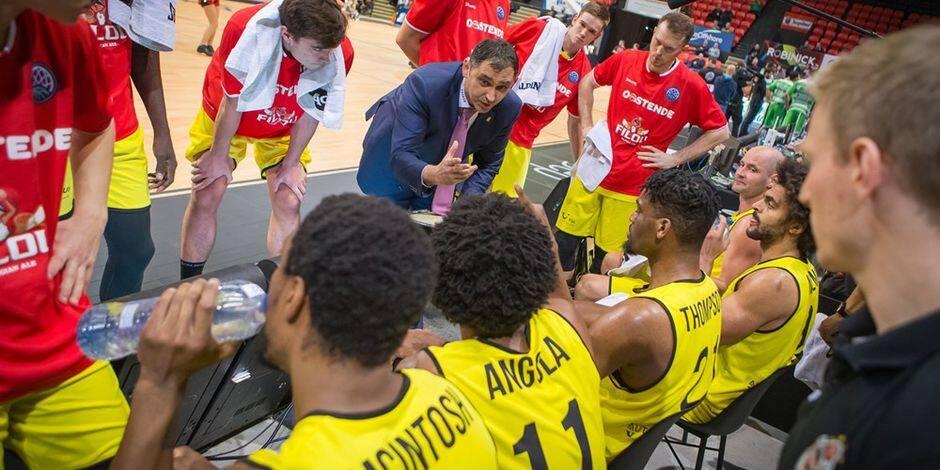 """Dario Gjergja (coach d'Ostende) : """"En travaillant dur, on peut atteindre un haut niveau"""""""