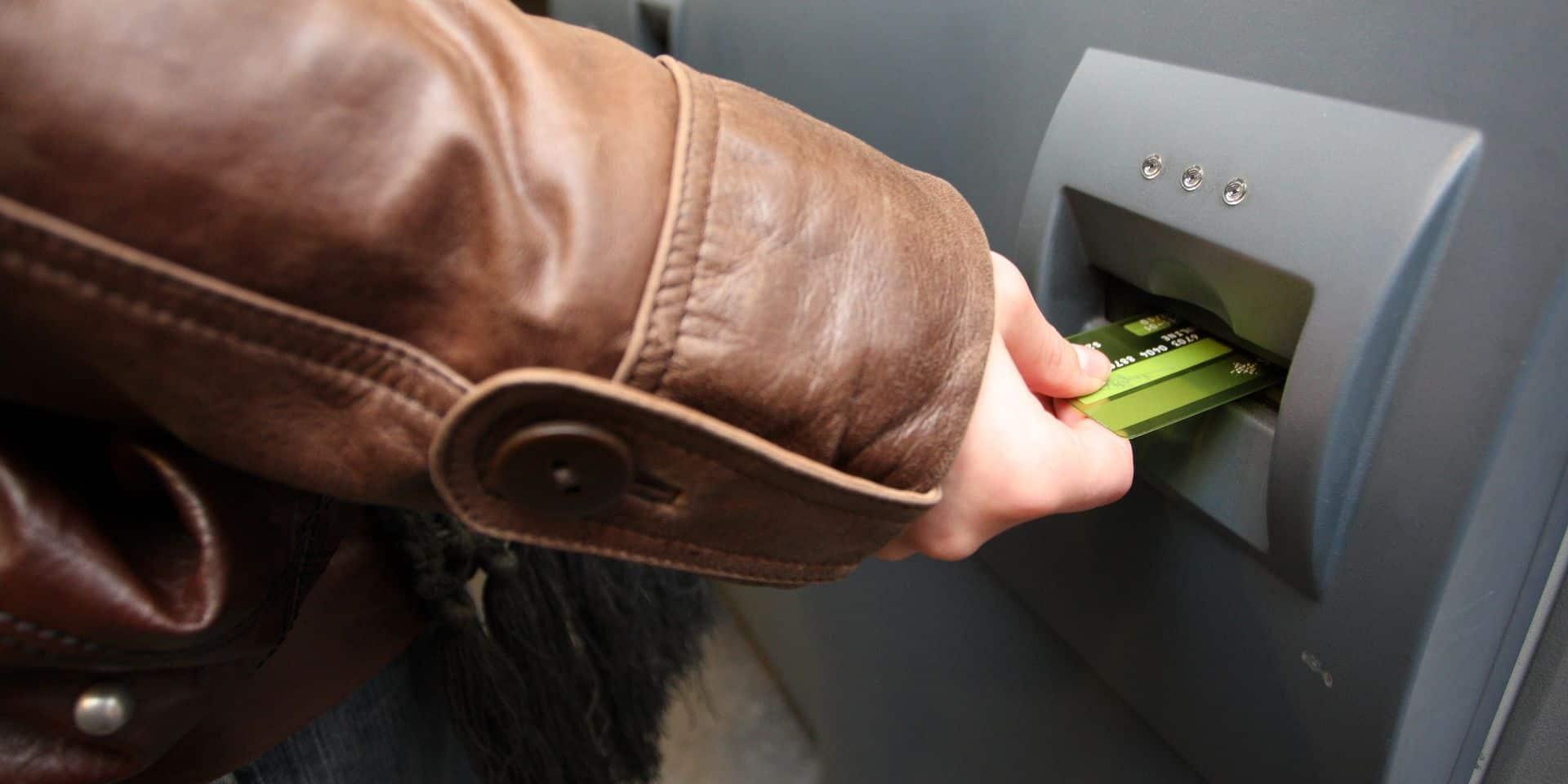 Verviers vote une motion contre la suppression des terminaux bancaires