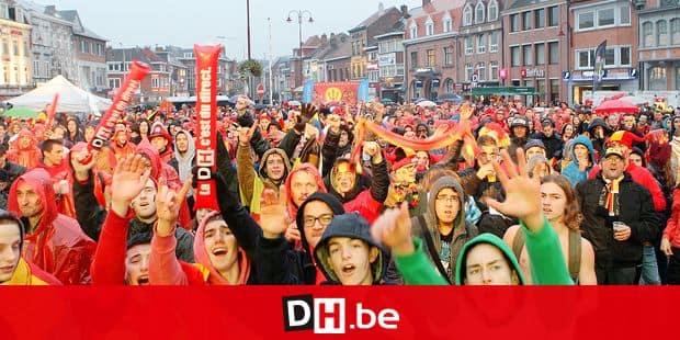 ecran geant à wavre sur la place boch les supporters des diables rouges en plein delire suite a la victoire contre la croatie photos eric guidicelli