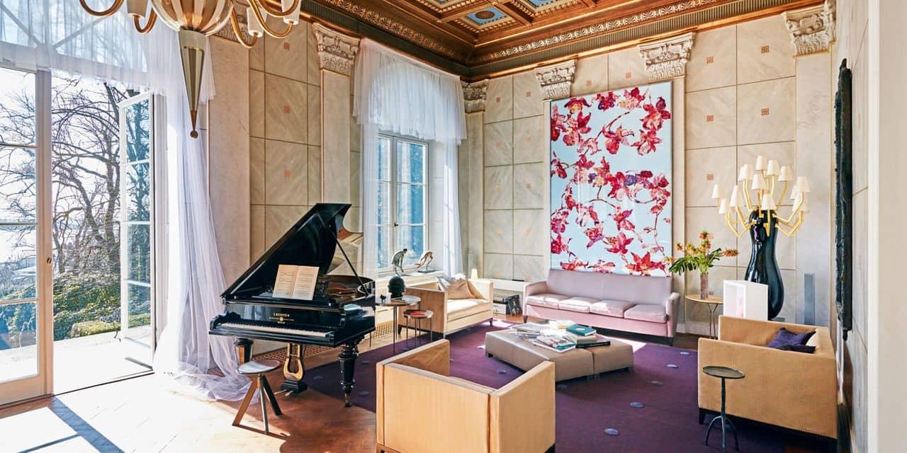 Envie de vivre dans la villa de Karl Lagerfeld ?
