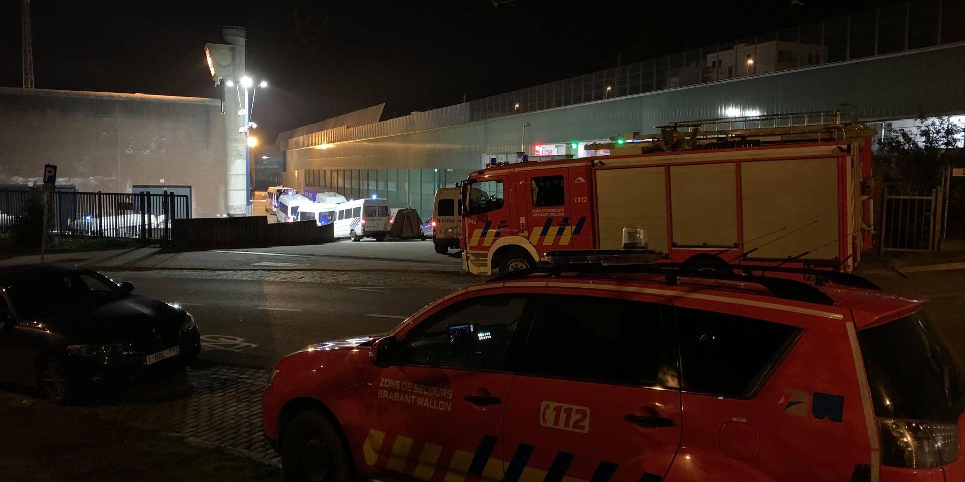 Une trentaine de détenus refusent de regagner leur cellule à la prison de Nivelles : la police intervient