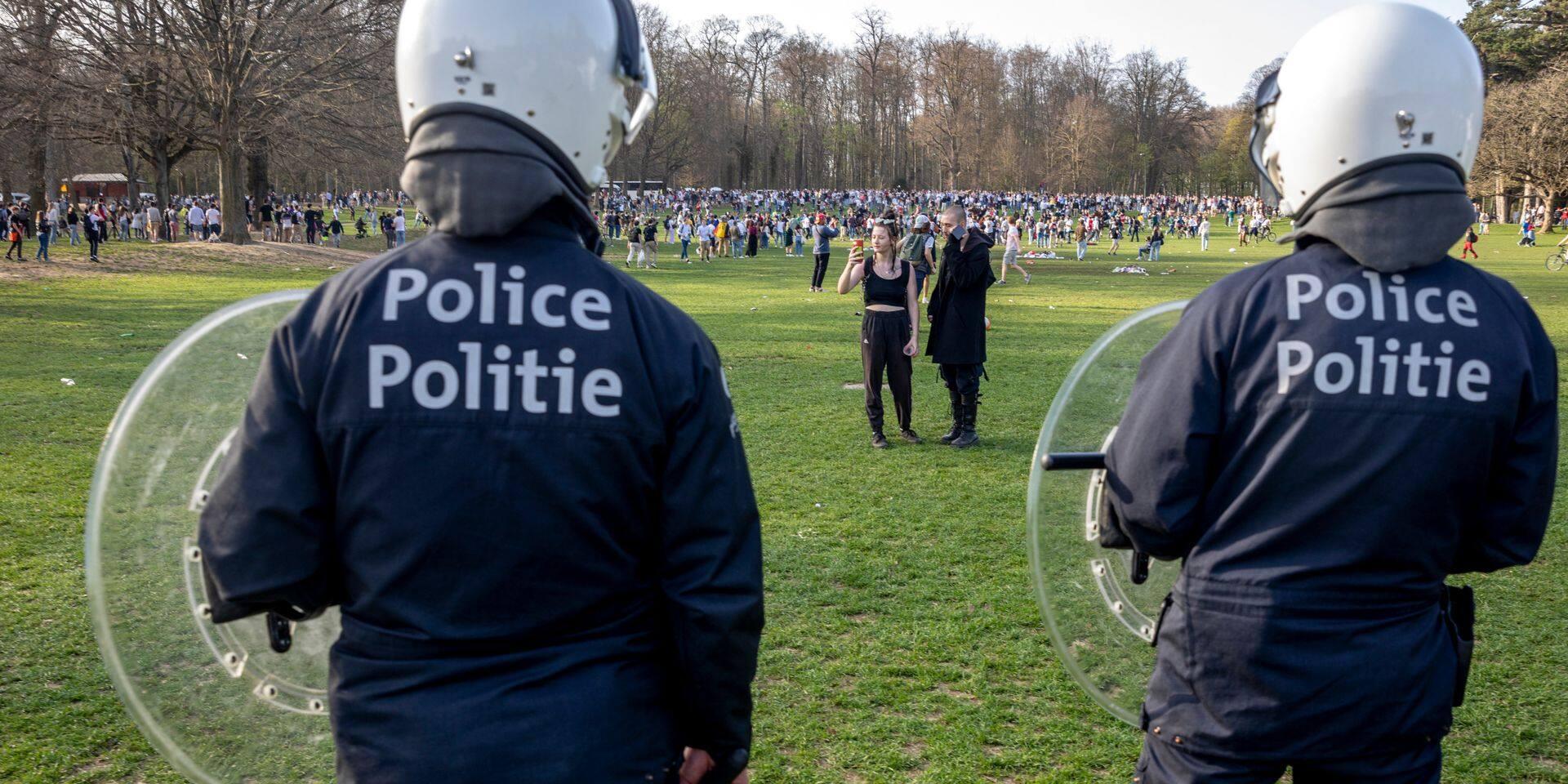 """Philippe Close encourage à ne pas se rendre à la """"Boum 2"""" : """"Vous risquez une amende ou une arrestation"""""""