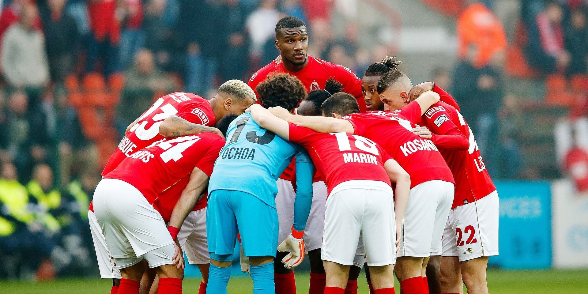 Standard's Obbi Oulare (C upper) and his teammates pictured at the start of a soccer match between Standard de Liege and Club Brugge, Thursday 16 May 2019 in Liege, on day 9 (out of 10) of the Play-off 1 of the 'Jupiler Pro League' Belgian soccer championship. BELGA PHOTO BRUNO FAHY