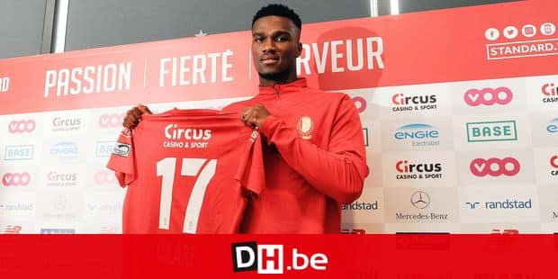 Obbi Oulare poses for the photographer at the presentation of a new player for the 2018-2019 season of Belgian first league soccer team Standard de Liege, Thursday 30 August 2018 in Liege. BELGA PHOTO SOPHIE KIP