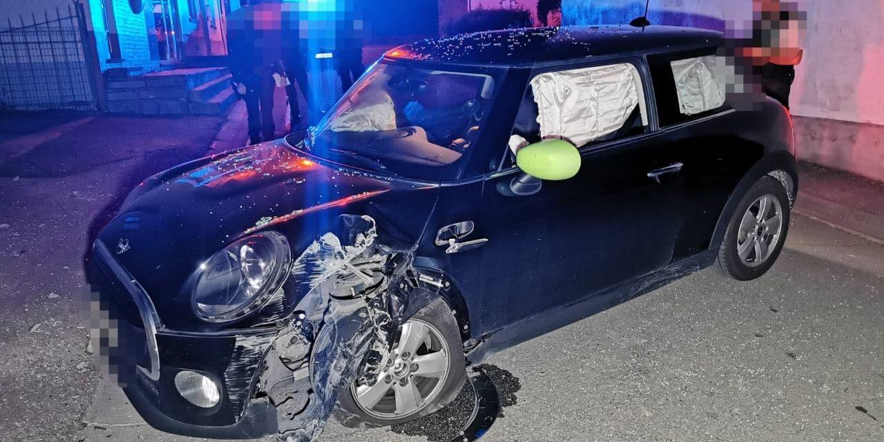 Gerpinnes : une voiture contre un poteau