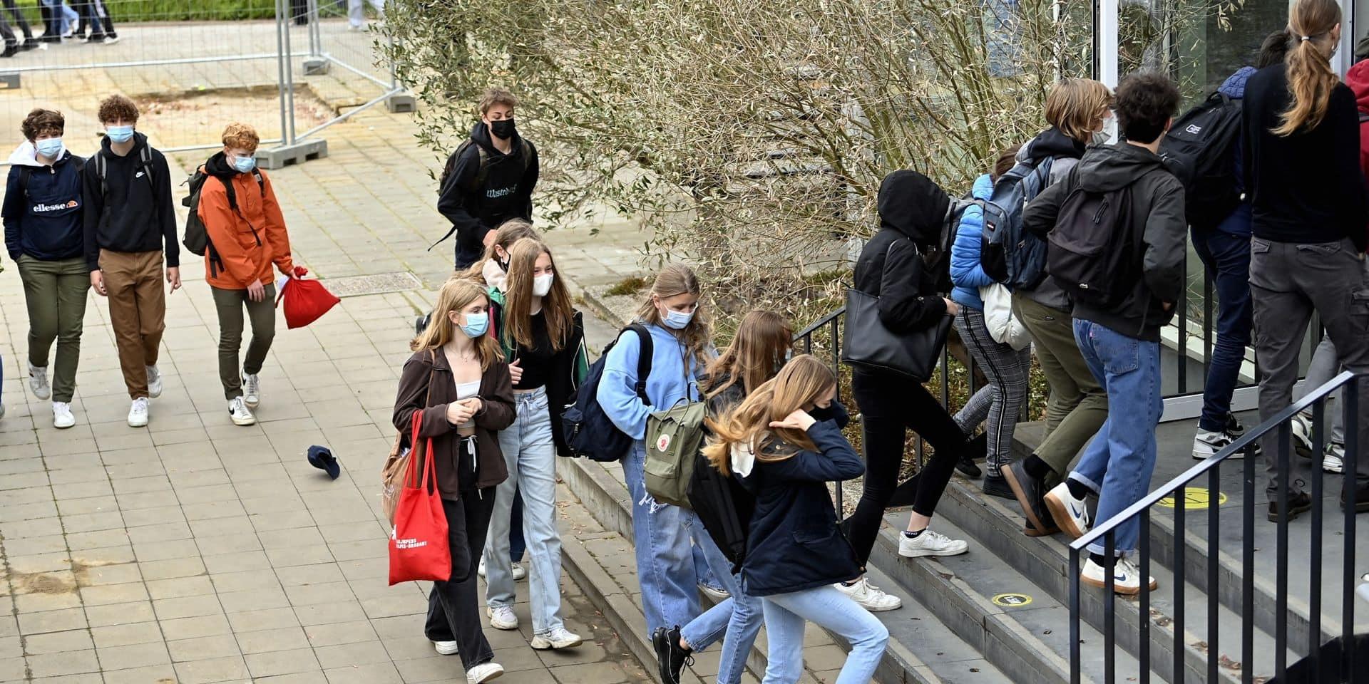 Le port du masque ne sera plus obligatoire dès le 1er octobre dans l'enseignement secondaire flamand