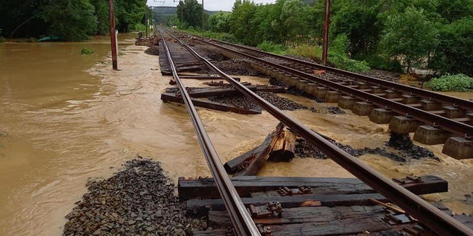 Intempéries: Infrabel met le réseau ferroviaire à l'arrêt dans le sud du pays