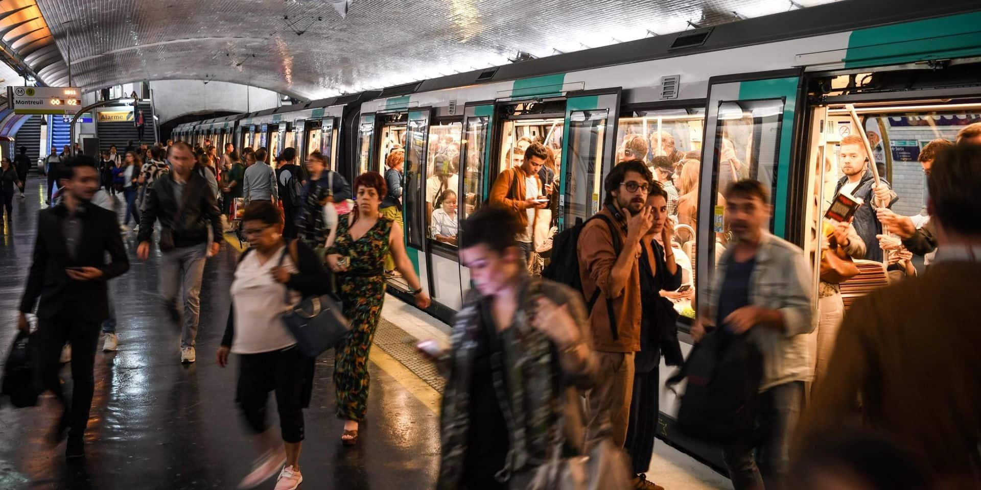Panique à Paris: un métro traverse à toute vitesse trois stations sans s'arrêter