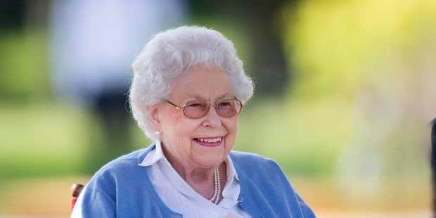 Elizabeth II prouve (encore) qu'elle adore son petit-fils, le prince Harry - La DH