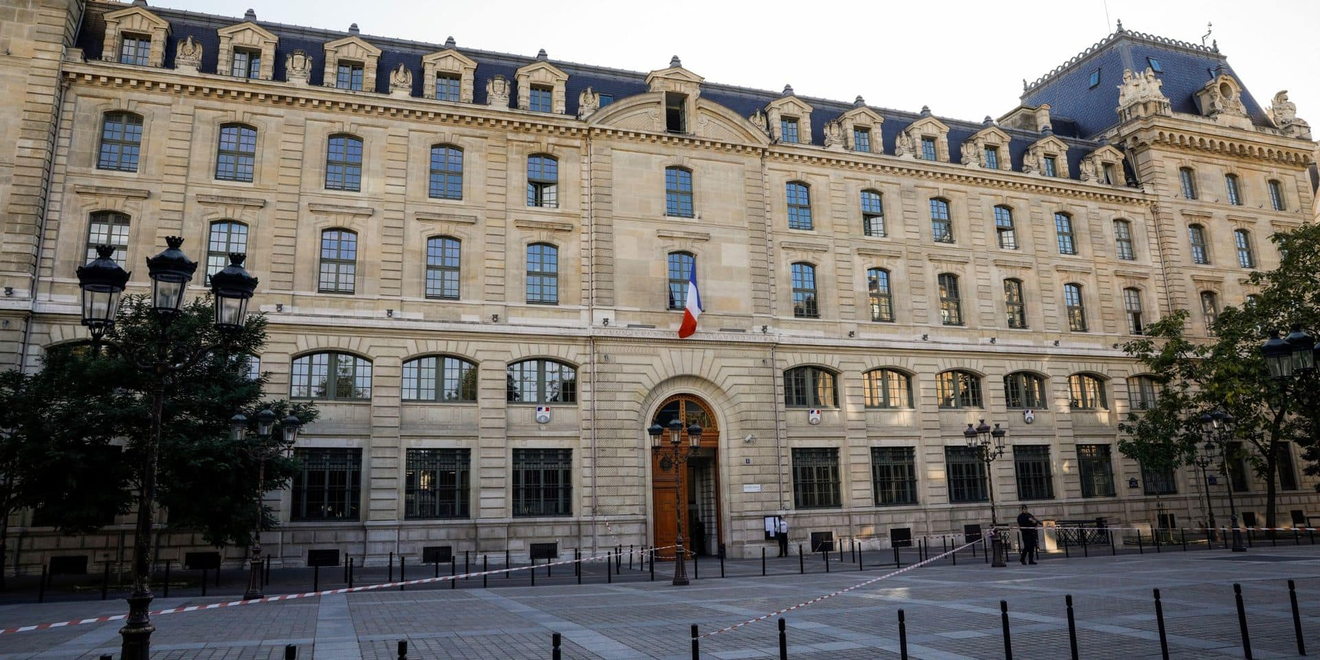 Attaque à la préfecture de police: le parquet national antiterroriste saisi