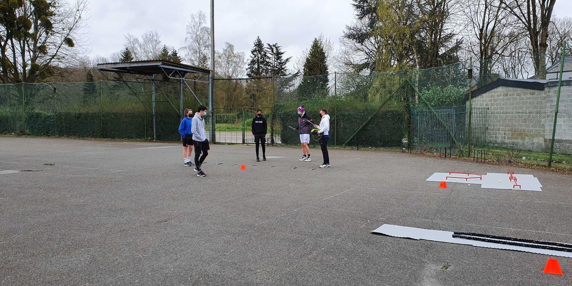 Hockey : un bon coup de crosse à la Covid-19 à Charleroi