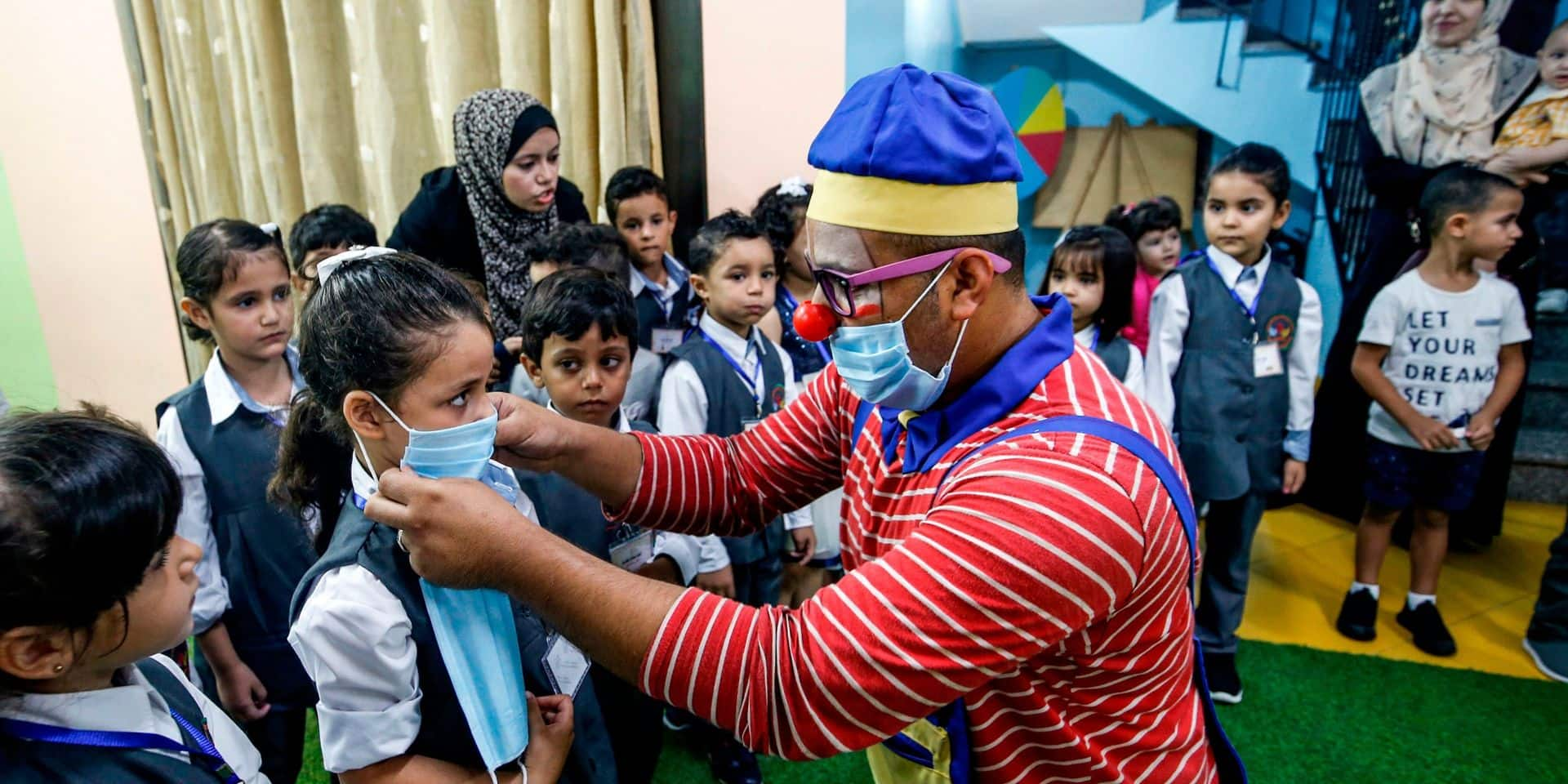 L'OMS recommande le port du masque dès 12 ans dans les mêmes conditions que les adultes